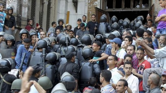 Al Fath Mosque in Ramses Square, scene of the violence